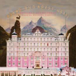 Обложка к диску с музыкой из фильма «Отель «Гранд Будапешт»»